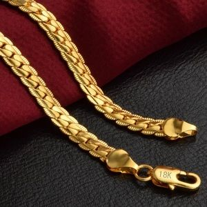 NEW 18k gold plated necklace